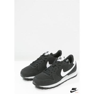 nike internationalist enfants,nike huarache Nike Internationalist Nike Trainers Noir/Blanc