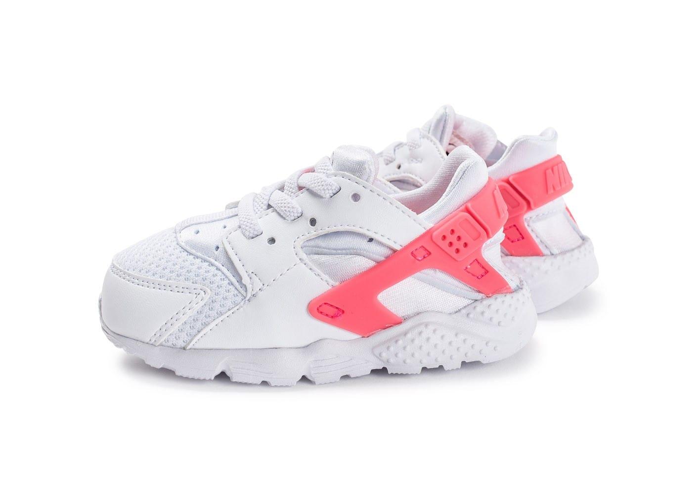 release date: aa403 6635d Nike Air Huarache enfants, Chaussures Nike Huarache Run Bébé blanche et rose